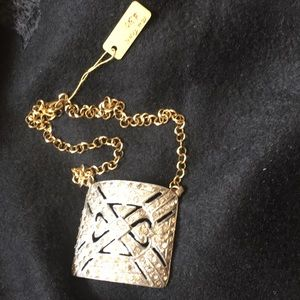 MK Jewelry - MK Trunk Chain Necklace /Crystals Pendant